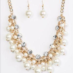 Paparazzi ZI. Necklace set Idolize pearl gold